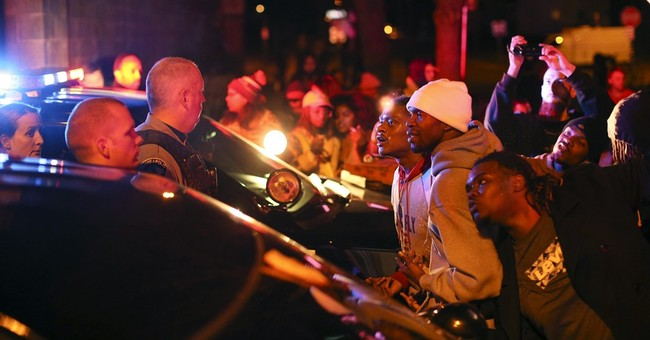 The Latest: Protesters block I-94 in north Minneapolis