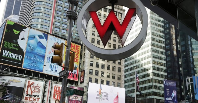 Marriott buys rival hotel chain Starwood for $12.2 billion