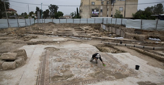 Israel unveils Roman-era mosaic found during construction