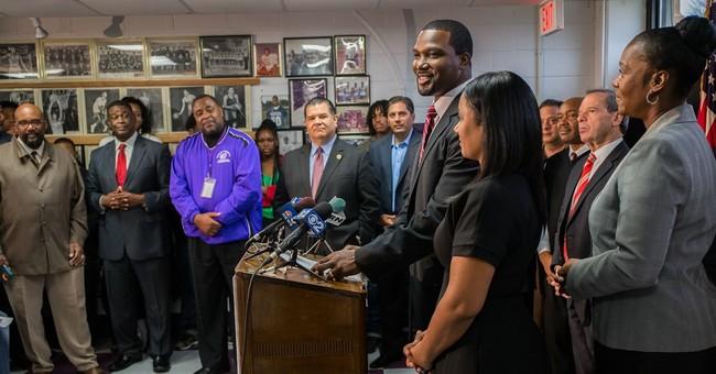 Ex-NFL player joins Illinois' Democratic US Senate primary