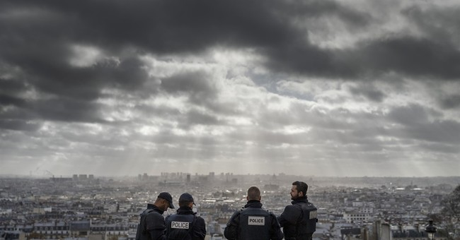 IS attacks claim more than 800 lives abroad this year
