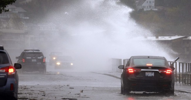 3 killed, thousands without power in Northwest windstorm