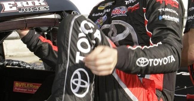 Erik Jones wins NASCAR Truck Series title at Homestead