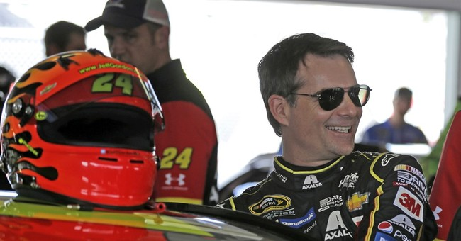 Jeff Gordon chases 5th championship before retirement