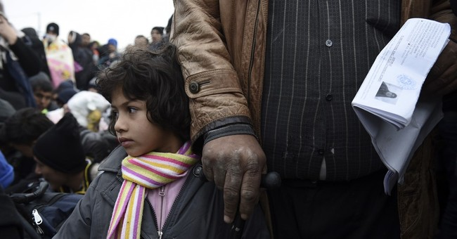 The Latest: Migrants protest at Greece-Macedonia border