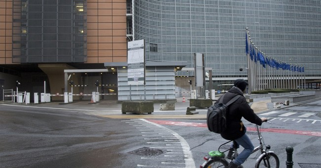 Brussels hunkers down amid warning of Paris-style threat