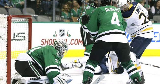 Niemi gets 2nd shutout and Stars beat Sabres 3-0