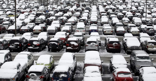 The Latest: More than 500 flights canceled in Chicago