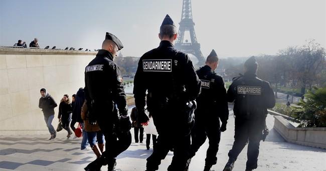 Paris tourism slumps in wake of attacks
