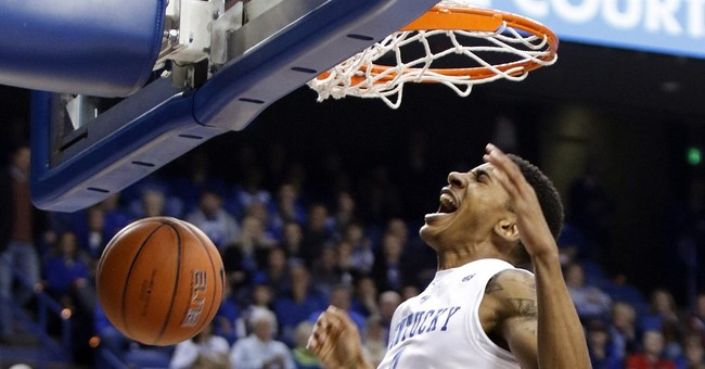 Kentucky is No.  1 in men's AP poll after Tar Heels loss