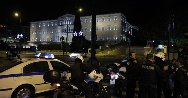 Greece: Bomb explodes at industry federation, no one hurt