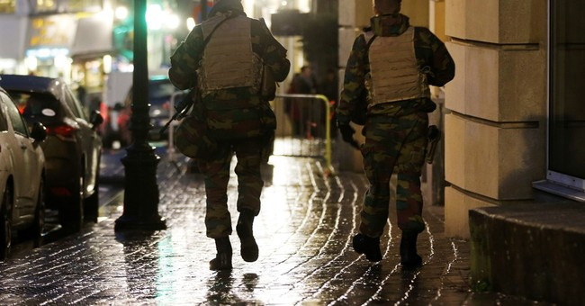 Brussels schools reopen, maximum threat alert still in place