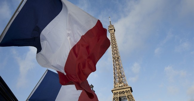 Paris attacks boost popularity of French Tricolor flag