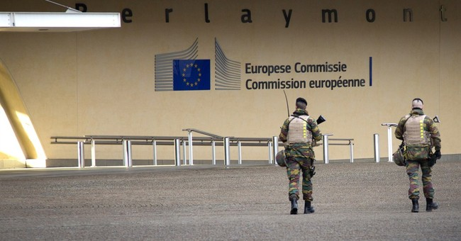 EU Parliament evacuated, man in camouflage arrested