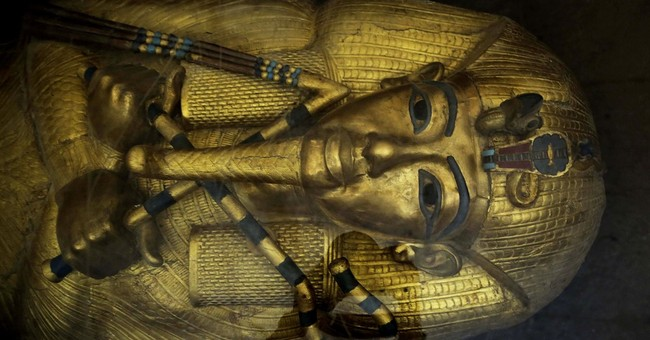 Egypt begins King Tut exploration, searching for Nefertiti