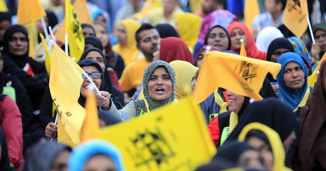 Maldives opposition set to regroup for 2nd night of protests