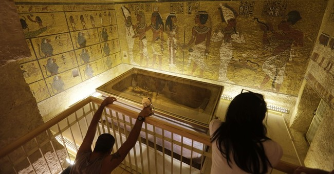 Egypt says 90 percent chance of hidden rooms in Tut tomb