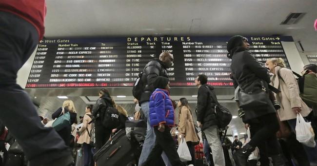 Weather, flights aid post-Thanksgiving travel efforts
