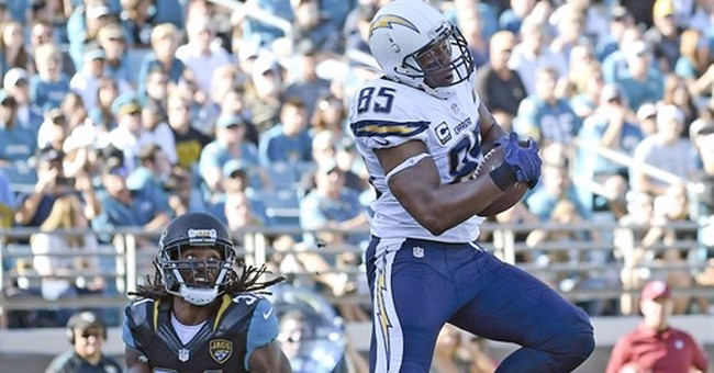 Rivers' 4 TD passes help Chargers beat Jags 31-25, end skid