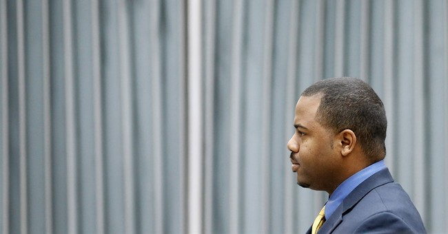 The Latest: Jury sees videos of Freddie Gray's arrest