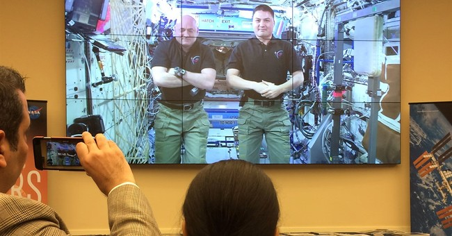 Capitol Hill Buzz: Astronauts testify from Space Station