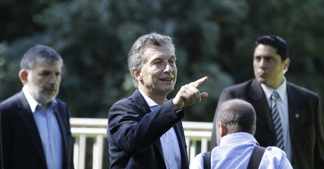 Argentine president-elect criticizes outgoing president
