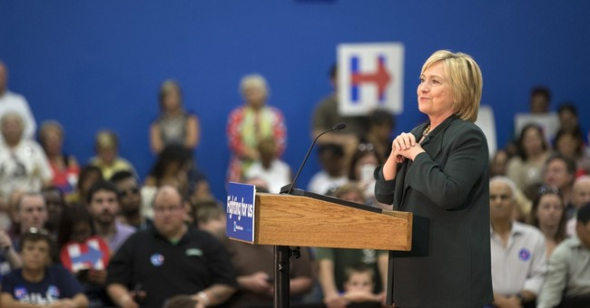 Clinton calls for federal investigation of Chicago shooting
