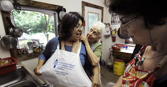 Culinary pioneer, early TV cook Phila Hach dead at 89