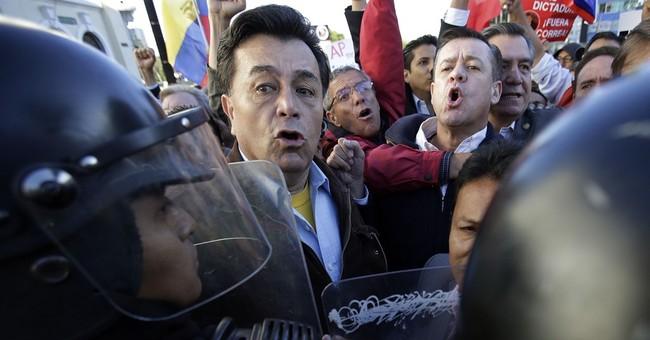 Ecuador lawmakers vote to end presidential term limit
