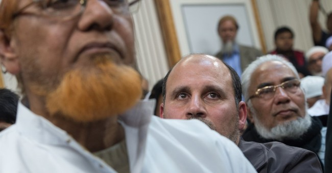 Following Paris attacks, NYC steps up outreach to Muslims