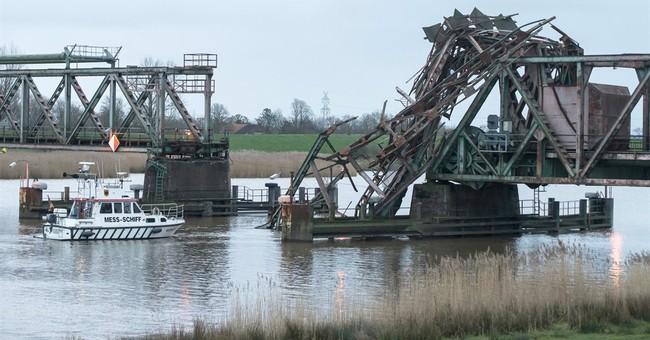 Freighter destroys railway bridge in Germany