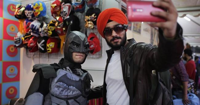 Spiderman, Batman, others mob New Delhi's Comic Con