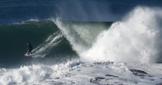 Women want spot in big wave surf competition in California
