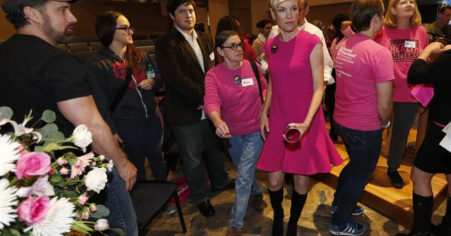 Richards mourns with, rallies Planned Parenthood supporters