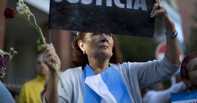 Argentine prosecutor considered call for president's arrest