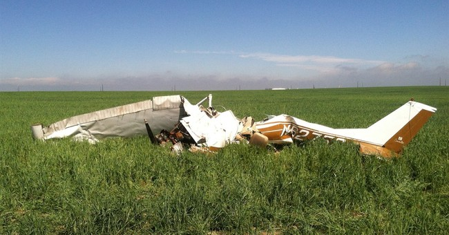 NTSB links selfies to deadly plane crash near Denver