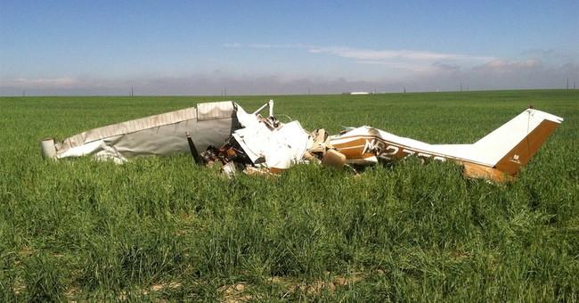 NTSB links selfies to deadly plane crash near Denver