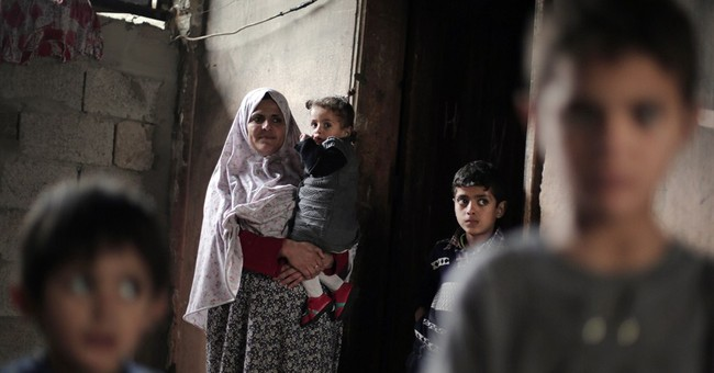 AP PHOTOS: After moment of fear, wounded Gaza girl goes home