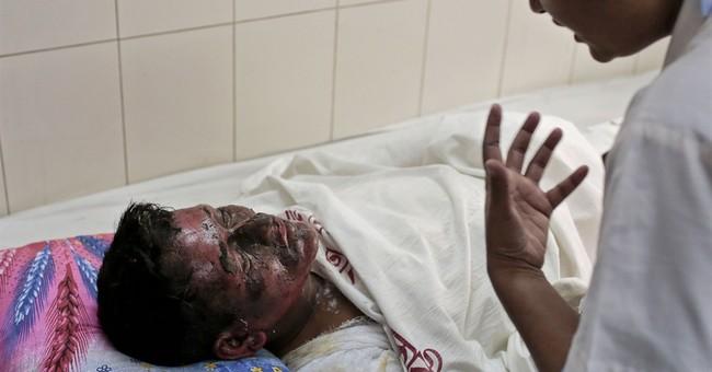 Firebombing of packed Bangladesh bus kills 7