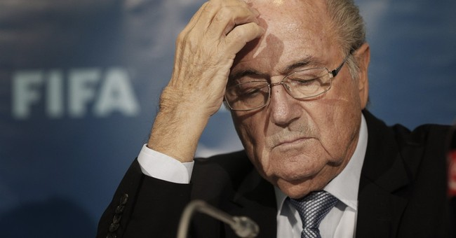 Report: FBI looking into Blatter's role in bribery case