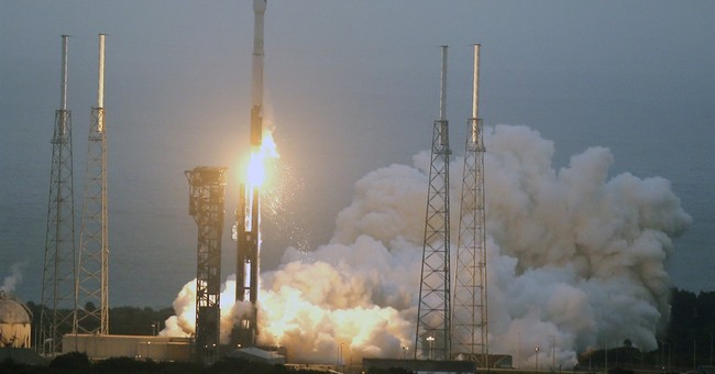 Liftoff: 1st US shipment in months flying to space station