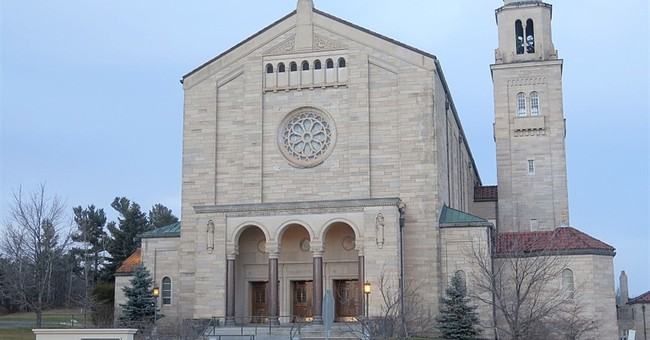 Minnesota diocese files for bankruptcy after sex abuse award