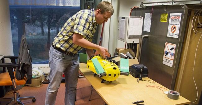 Estonian turtle-robot searches for shipwrecks and treasure