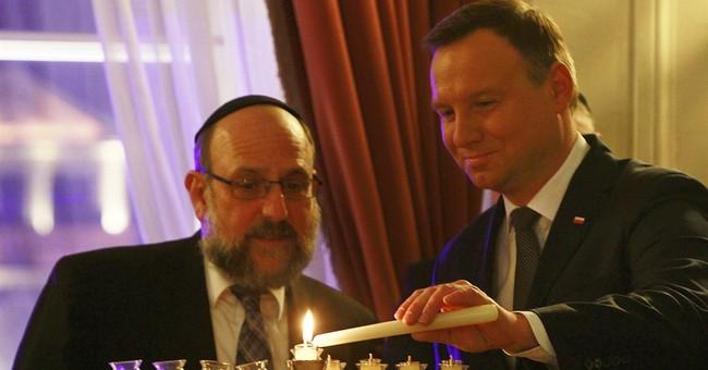 Poland's president lights Hanukkah candle