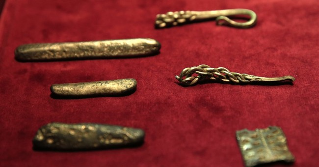 Viking hoard found in field sheds light on England's origins