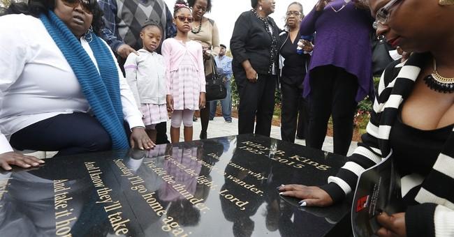 B.B. King gravesite marker dedicated in Mississippi