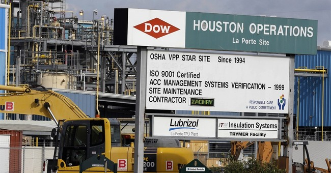 DuPont, Dow Chemical seek merger, then 3-way split