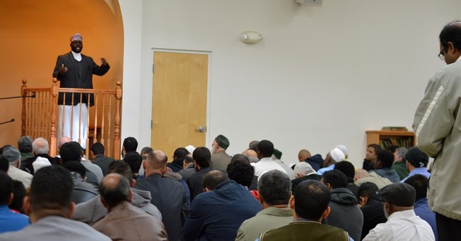 Activists present 'letters of support' to New Mexico mosque