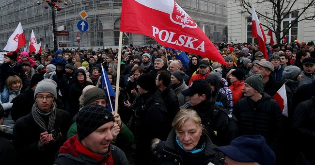 Thousands opposed to new government march in Poland