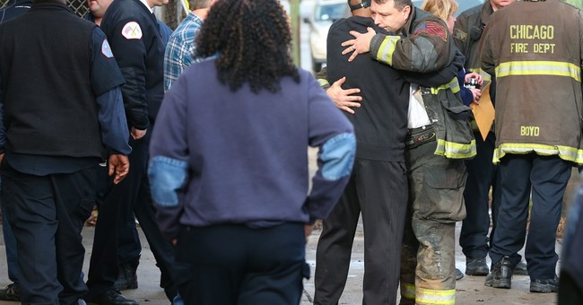 Chicago firefighter dies after falling down elevator shaft
